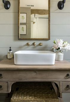 DIY Natural Farmhouse Vintage Romantic Guest bathroom renovation / Before + After