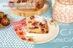 Çilekli Kek Tarifi Nasıl Yapılır? Kevserin Mutfağından Resimli Çilekli Kek tarifinin püf noktaları, ayrıntılı anlatımı, en kolay ve pratik yapılışı.