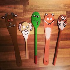 Gruffalo wooden spoon puppets! Story telling, puppet show, children's literature, teaching, resources, cute!!!