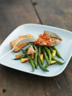 Healthy healing food. Fish, greens, non-processed foods. This link has great tips for healing and preventing pancreatitis attacks.