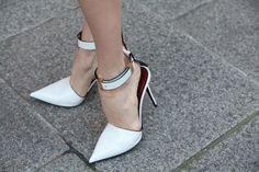 When it comes to pointed pumps, white is definitely right! #ShoeTime