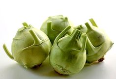 Wondering how to prepare kohlrabi?  Here is a collection of links to kohlrabi recipes from food blogs from around the world. LOVE IT!