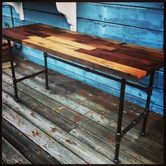 desk Dyi Bookshelves, Desk Inspiration, Chair Makeover, House Made, Repurposing, Entryway Tables, Living Spaces, Diy And Crafts, Diy Projects