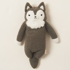 Rufu is many things: a fierce wolf, an adorable Fumofumo-san, and now, a backpack! He's a member of the mysterious species known as Fumofumo-san, creatures who come in many different animal forms and live above the clouds. Like his friends, Rufu is soft and cuddly, so he's the perfect companion to keep on your back! Plus, he can fit up to three medium-size Fumofumo-san pals, so you can have cuddle...