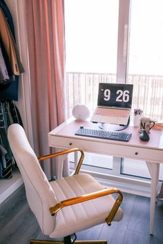 If you're working from home during self-isolation make sure to have a clean desk setup with a comfortable desk chair, sturdy desk and a laptop stand to be ergonomic. Office Desk Set, Computer Desk Setup, Home Office Setup, Home Office Space, Closet Office, Office Inspo, Office Chairs, Office Ideas, Work Desk Organization