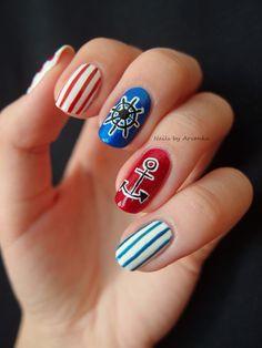 Nautical http://arvonka-nails.blogspot.sk/2013/07/summer-challenge-nautical-week-4.html
