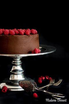 Death by Chocolate – Saftige Schokoladentorte mit Himbeeren | Madame Dessert