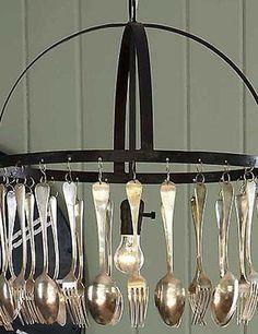 Lámpara DIY hecha con cubiertos