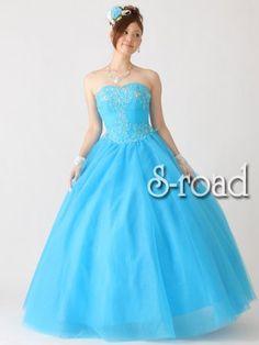 Amazon.co.jp: レースとビーズ刺繍のライトブループリンセスライン ウエディングドレス(XS): 服&ファッション小物通販