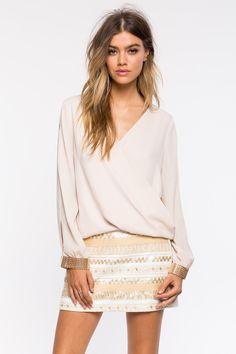 Блуза Размеры: S, M, L Цвет: черный, кофе с молоком/хаки Цена: 1353 руб.     #одежда #женщинам #блузы #коопт