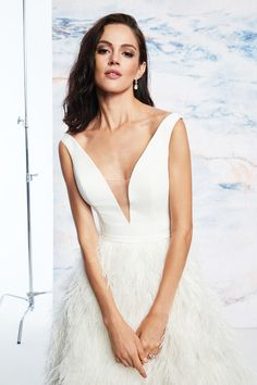 Justin Alexander Signature - Style Ostrich Feather Skirt Ball Gown with V-Neckline Justin Alexander Signature, Wedding Dress With Feathers, Feather Skirt, Fairytale Weddings, Bridal Gowns, Wedding Dresses, Old Hollywood Glamour, Horse Hair, Dress Backs