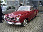 Borgward Isabella Coupe. Die Serienfertigung des Coupes begann im Januar 1957, also drei Jahre nach Vorstellung der Limousine. Das Coupe war grundsätzlich mit dem Isabella-TS Motor ausgestattet. Der 4-Zylinderreihenmotor leistet 75 PS aus 1493 cm³ Hubraum. Hier wurde ein Coupe des Modelljahres 1957 abgelichtet. Oldtimertreffen Kettwig am 01.05.2016.