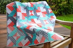 Hohenbrunner Quilterin: Schneller Jelly Roll Quilt Picnic Blanket, Outdoor Blanket, Jellyroll Quilts, Quilt Patterns, Baby Car Seats, Patches, Internet, Quilting, Ideas