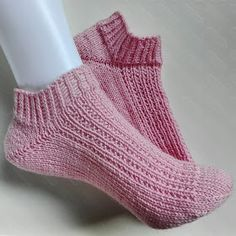 Brilliant photo - pay a visit to our story for way more tips and hints! Crochet Socks, Knitted Slippers, Knitting Socks, Crochet Stitches, Knit Crochet, Knitting Blogs, Baby Knitting Patterns, Cute Socks, Slipper Boots