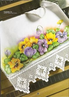 Vintage Table Scarf with crocheted edging and painted pansies. Tole Painting, Fabric Painting, Fabric Art, Embroidery Patterns, Crochet Patterns, Crochet Lace Edging, Learn To Paint, Pansies, Watercolor Flowers