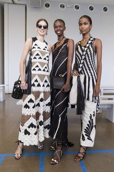 Oscar de la Renta at New York Fashion Week Spring 2019 - Knitting Knitwear Fashion, Knit Fashion, Look Fashion, Fashion Design, New York Fashion, Fashion Week, Moda Crochet, Knit Crochet, Crochet Blouse