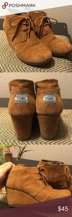 Toms Booties Authentic Toms booties. 😊 Cute, confortable and in amazing condition! Make an offer! Toms Shoes Ankle Boots & Booties
