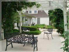 Stay at the beautiful Lindley House Garden Cottages in Duncan for your next romantic getaway!