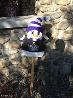 LA Kings' photo: Spotted: Kings holiday decoration... La Kings Hockey, La Art, Los Angeles Kings, Ice Hockey, Winter Holidays, Believe, Gadgets, Decoration, Holiday Decor
