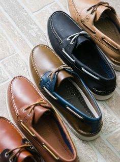 Sailing and classy style - Herrenmode Boat Shoes, Men's Shoes, Shoe Boots, Shoes Sneakers, Walk In My Shoes, Me Too Shoes, Kickers Shoes, Fashion Updates, Well Dressed Men