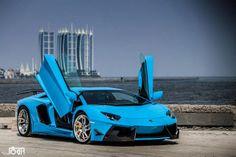 Blue Lamborghini Aventador Wallpaper