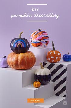 Our absolute best, totally essential pumpkin painting tips Pumpkin Garden, Diy Pumpkin, Pumpkin Crafts, Pumpkin Carving, Chic Halloween Decor, Halloween Decorations, Halloween Centerpieces, Happy Halloween, Halloween Party