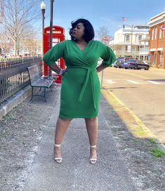 """""""Love the Green You're In"""" Dresses For Apple Shape, Dresses For Work, Church Fashion, Business Wear, Girl Blog, Plus Size Fashion, Curves, Feminine, Stylish"""