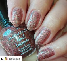 Glitter on... and on with long lasting Nail Lacquer in Salsa Much (197).  @teddynails used this shade for this sparkly mani. #repost #kleancolor #naillacquer #salsamuch #nailpolish #nails #mani #manicure #glitter #sparkle #notd #makeup #cosmetics #beauty
