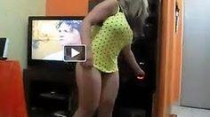 Com vestido curto, Anitta mostra demais em show [VIDEO] - YouTube