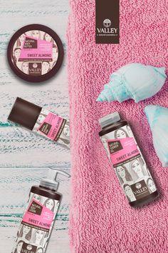 Spa αρωματοθεραπείας στο σώμα σας με το μεθυστικό άρωμα από τις λεπτές νότες γλυκού αμυγδάλου για χαλάρωση, αλλαγή στη διάθεση και ηρεμία στο σώμα •Shower Gel •Body Lotion •Body Butter •Deodorant spray  Φυσικά προϊόντα με επιπρόσθετα οργανικό εκχύλισμα ροδιού, οργανικό βούτυρο καριτέ και οργανική αλόε βέρα.  Ελληνική μονάδα παραγωγής από το 1968. Θα τα βρείτε στα: Σκλαβενίτης, Hondos Center, Galerie de Beaute, My Market, Επικαλ ΕΕ, BeautyStar Greece Natural Showers, Natural Cosmetics, Body Butter, Facebook Sign Up, Body Care, Almond, Sweet, Candy, Almond Joy