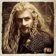 Fili - looks like he just rolled out of bed - sooo tempting! Hobbit Cosplay, Fili Und Kili, Kili And Tauriel, The Hobbit Movies, O Hobbit, Hobbit Dwarves, Bilbo Baggins, Thorin Oakenshield, Science Fiction