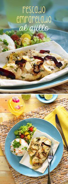 Esta receta fácil de pescado al ajillo se prepara en tan sólo unos minutos en el horno. Agregamos ajo y chile guajillo para darle sabor a esta exquisita receta con pescado blanco.