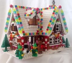 Holiday Gingerbread House - Lego My Lego - Lego Duplo, Lego Cars, Lego Disney, Lego Christmas Village, Lego Winter Village, Lego Design, Lego Minecraft, Christmas Projects, Christmas Fun