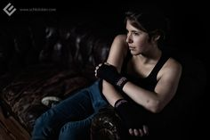 Johanna, Thaiboxerin, Kiel 2012. // #female #girl #woman #frau #maedchen #sportlerin #sport #sports #portrait #photography #fotografie #studio #editorial #thaiboxen #muaythai #boxen #boxing #boxerin #chucks #converse