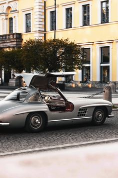 "motivationsforlife: ""Mercedes-Benz by CuzImWozy"" Classic Motors, Classic Cars, Vintage Cars, Antique Cars, Vintage Style, Merc Benz, Mercedes Benz 300, Classic Mercedes, Cute Cars"