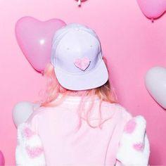"""Music Helps Me Escape Reality. Goth Hat, Nikki Lipstick, Harajuku, Goth Look, Betty Cooper, Neon, Girls World, Teenage Years, Fashion Details"