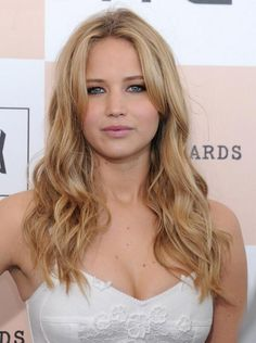American Beautiful Actress Jennifer Lawrence Sexy Photos, Hollywood Most Famous Actress Hot Jennifer Lawrence In Blue Bikini On Beach Pictures.