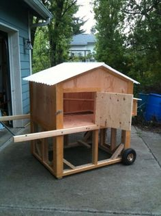 Once someone wishes to raise chickens, it's a good idea to make certain that they construct a chicken coop that meets their own requirements. Make sure to locate the best designs for you to make your own. Cheap Chicken Coops, Mobile Chicken Coop, Backyard Chicken Coops, Chickens Backyard, Chicken Feeders, Chicken Coop Blueprints, Chicken Coop Plans, Building A Chicken Coop, Chicken Coop On Wheels
