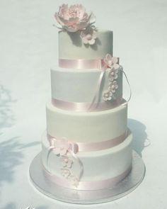 Jemná svadobná torta, Svadobné torty