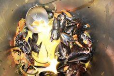Moules à la Crème Fraîche et à l'Ail. Cooking, Sea Shells, Mussels, Seafood, Garlic, Pisces, Strawberry, Kitchen, Cuisine