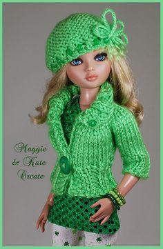 Barbie Knitting Patterns, Baby Cardigan Knitting Pattern, Knitting Dolls Clothes, Crochet Barbie Clothes, Barbie Patterns, Knitted Dolls, Crochet Dolls, Barbie Wardrobe, Doll Costume