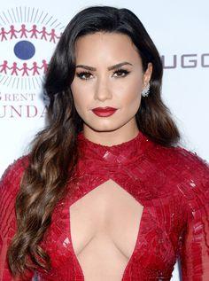 Demi Lovato 2017, Celebrity Singers, Bikinis, Celebrities, Celebs, Beauty, Beautiful, Dresses, Amazing