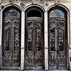 Tres Puertas #bahiablanca #arquitectura #argentina #siglo20 #door #puerta