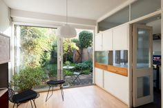 Located on the popular Cator Estate in Blackheath is this fine example of a three-bedroom Span house with private garden. Forming part of The Hall, the house was designed by Eric Lyons in 1958. The open-plan living spaceis accessed via a well-proportioned entrance porch and has solid oak flooring throughout. Large picture windows flood the […]
