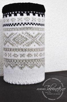 Tennbrikettskjuler med mariusmønster. Mittens, Loom, Knit Crochet, Weaving, Tapestry, Homemade, Knitting, Create, Pattern