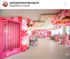 Barbie Party Decorations, Barbie Theme Party, Barbie Birthday Party, Doll Party, 30th Birthday Parties, Birthday Party Themes, Girl Birthday, Pink Parties, Birthdays