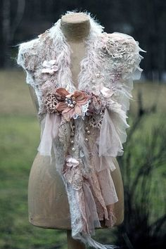 Winter romance- bohemian shabby chic shawlette from antique laces, knit mohair Boho Fashion, Vintage Fashion, Fashion Design, Mode Baroque, Bohemian Style, Boho Chic, Vibeke Design, Shabby Chic, Altered Couture