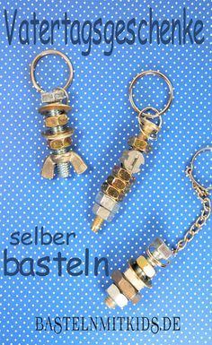 Einen schönen Schlüsselanhänger basteln zum Vatertag. Mit Schrauben, Muttern, Beilagscheiben und mehr, zaubert ihr in kurzer Zeit ein tolles selbstgemachtes Geschenk. Basteln mit Kindern.
