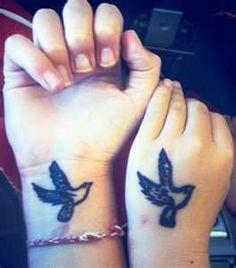 Small birds tattoo on wrist hand - tattoos book - tattoos designs Small Matching Tattoos, Small Foot Tattoos, Small Tattoo Placement, Small Couple Tattoos, Wrist Hand Tattoo, Hand Tattoos, Forearm Tattoos, Hand Wrist, Simple Tattoos For Guys