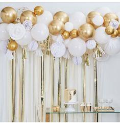 Gold Balloon Garland Kit, Gold Balloon Backdrop Kit, Balloon Paper Fan Backdrop, Gold and White Balloon Garland, Gold Party Decoration Set Gold Confetti Balloons, White Balloons, Latex Balloons, 5 Balloons, Gold Birthday Party, Birthday Balloons, Happy Birthday, Birthday Parties, Themed Parties